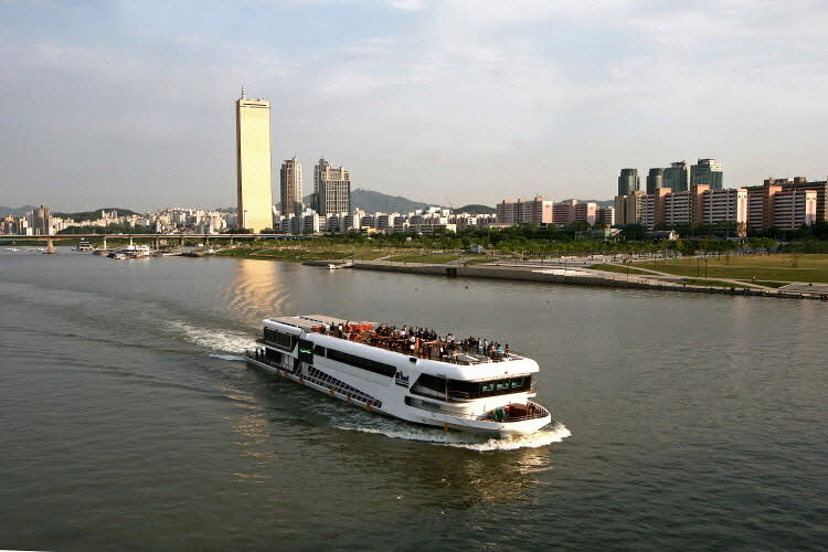 Han River Ferry Cruise Buffet Cruise  Lunch And Dinner  Trazy Your Travel
