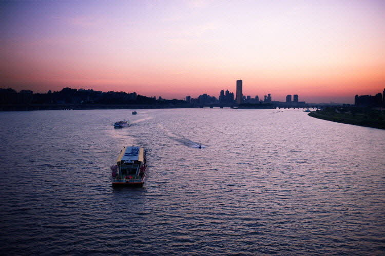 Han River Cruise Discount Ticket DayNight Cruise In Seoul  Trazy Korea