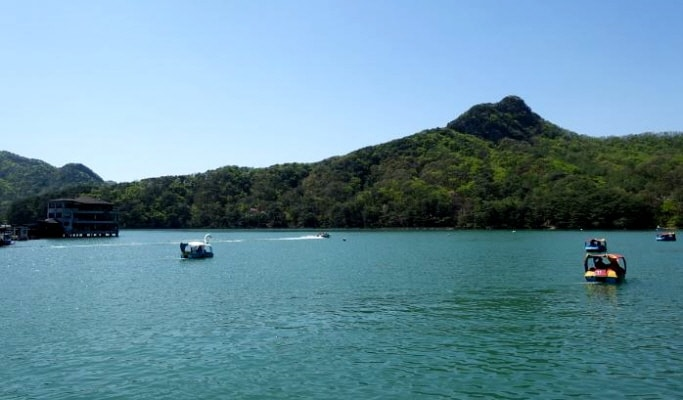 Pocheon Private Van Tour: Sanjeong Lake & Herb Island