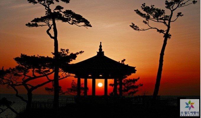 New Year Sunrise Package: Jeongdongjin Beach/Naksansa Temple (Dec 31)