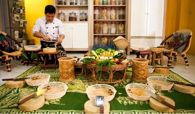 Traditional Thai Cooking Class & Market Tour in Bangkok