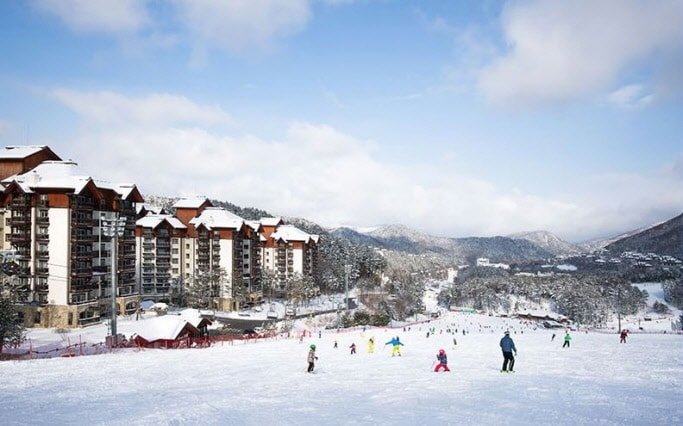 2D1N Ski Tour: Yongpyong Resort + Harbin Ice & Snow World (~Feb 28)